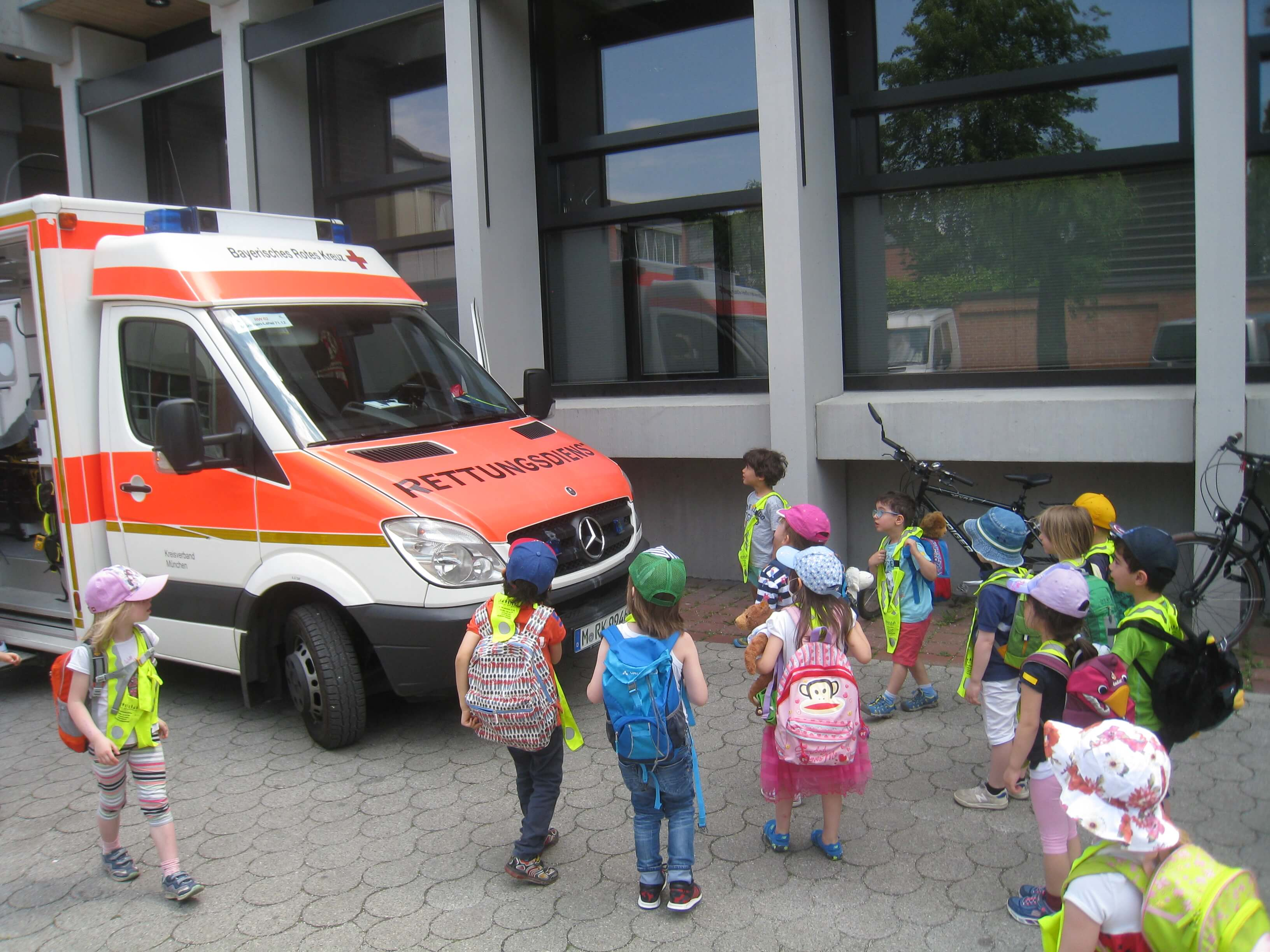 Rettungswagen - Kindergarten - Wichtel Akademie München