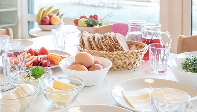 Frühstück bei der Wichtel Akademie München