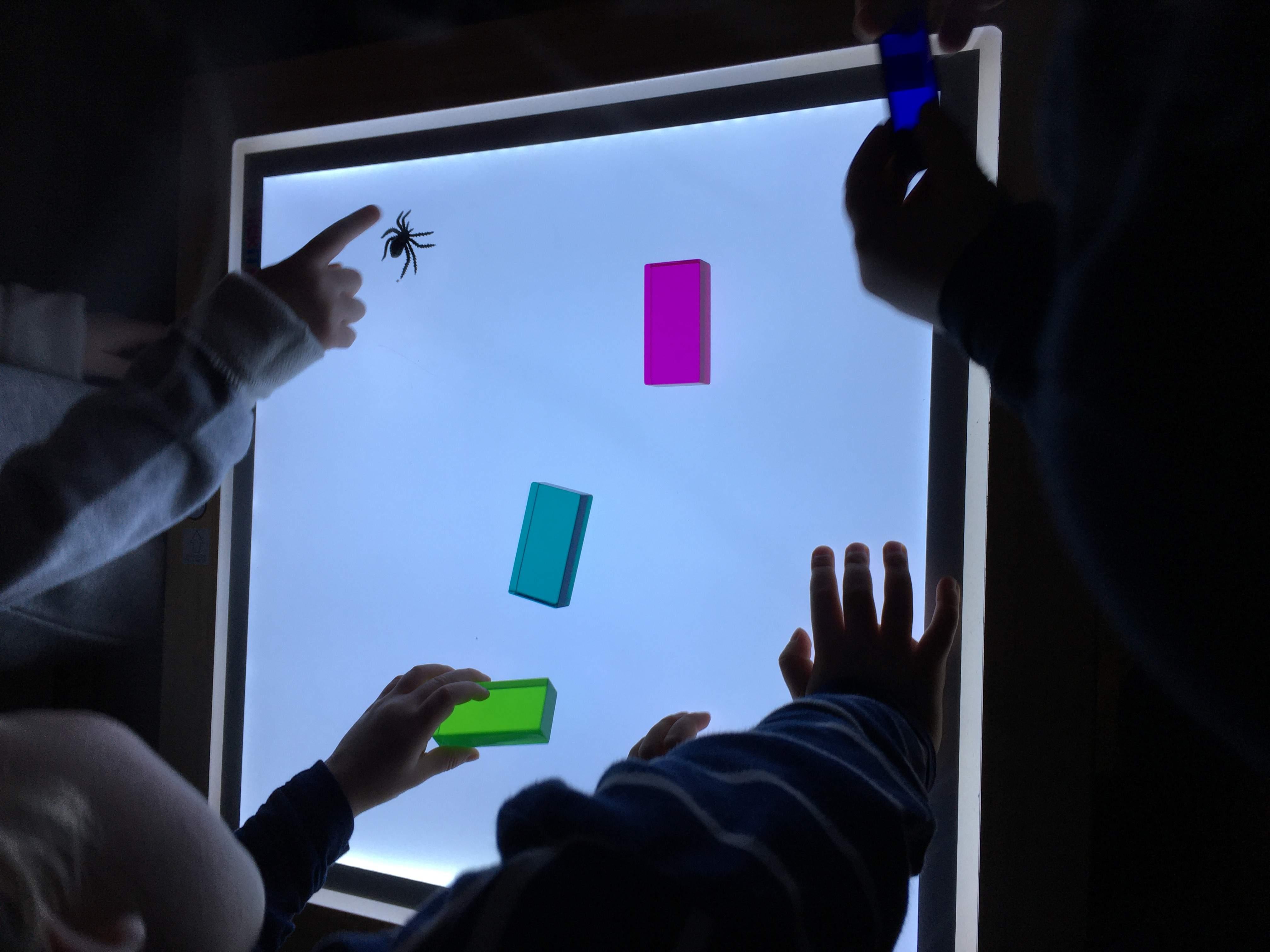 Farben Plaettchen auf Projektor