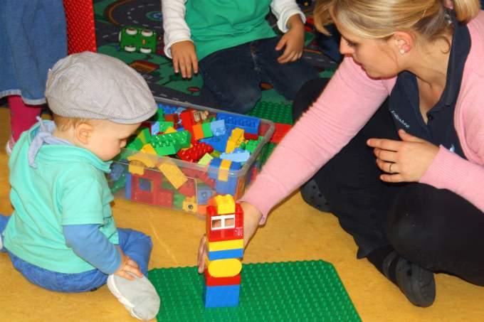 Spielen - Eingewöhnung - Wichtel Akademie München