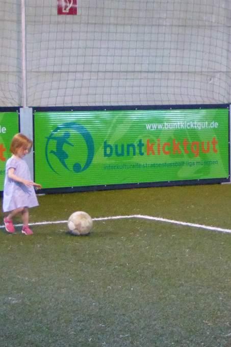 Mädchen - Fußball - Sommerfest - Wichtel Akademie München