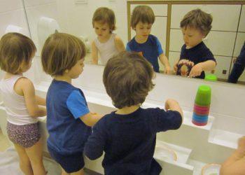 Kinderkrippe-Harlaching-Wasser-Becher- Wichtel Akademie München