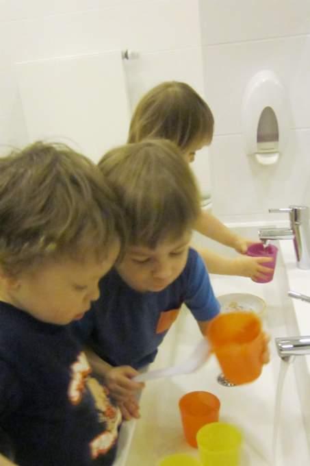 Kinderkrippe-Harlaching-Wasserbecher - Wichtel Akademie München