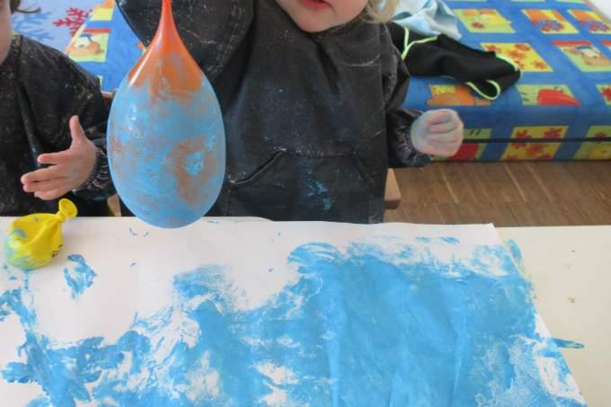 Luftballon - färben - Wichtel Akademie München