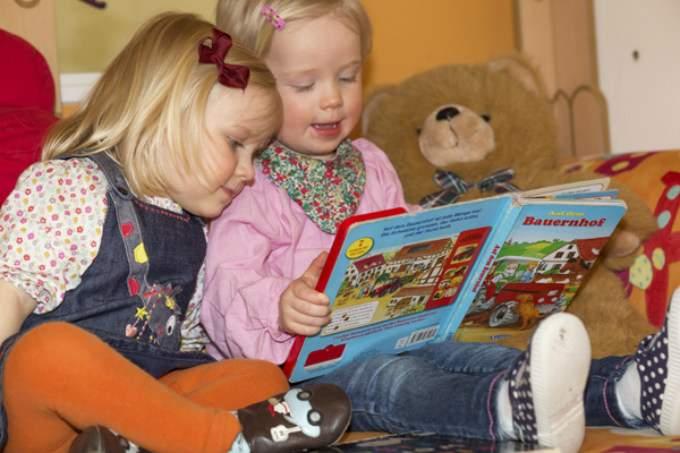 Bücher - Kinder - Wichtel Akademie München