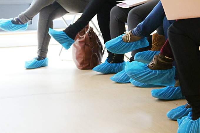 Praxis - blaue Schuhe - Wichtel Akademie München