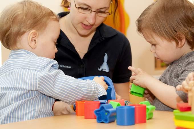 Spielen - Kinder - Wichtel Akademie München